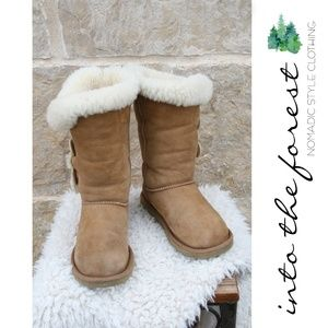 UGG Bailey Triplet Button Boots #1873 Chestnut 5